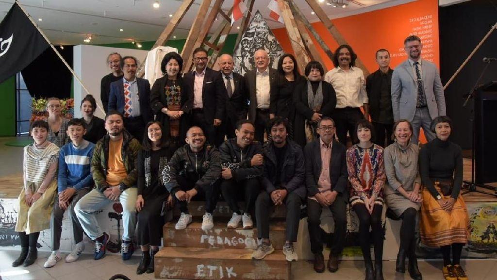 Tisna Sanjaya hingga Entang Wiharso Harumkan Indonesia di Australia