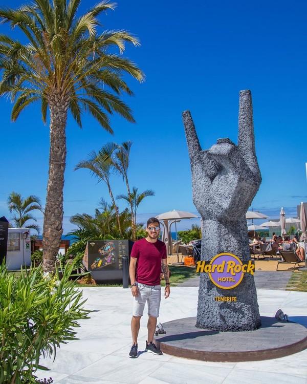 Gelandang Manchester City, David Sila liburan ke Tenerife. Suatu pulau yang indah di Spanyol (Instagram/david21lva)