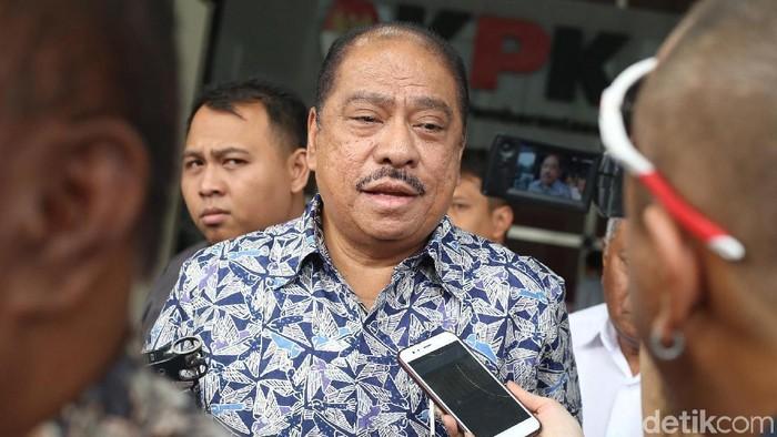 Ketua Fraksi Partai Golkar Melchias Marcus Mekeng diperiksa sebagai saksi kasus dugaan korupsi proyek e-KTP dengan tersangka Markus Nari.