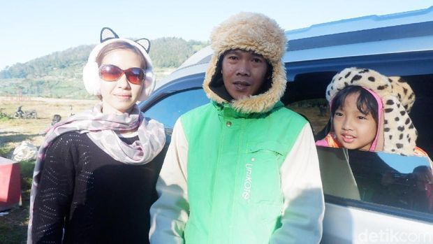 Penasaran Embun Es Dieng, Wisatawan Rela Menunggu Berhari-hari
