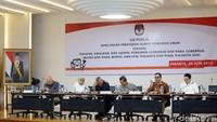Sebelumnya, KPU telah menyiapkan Pilkada serentak 2020 untuk memilih pemimpin 270 daerah.