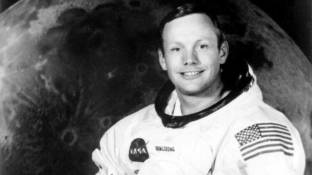 Berkenalan dengan Manusia Pertama yang Mendarat di Bulan