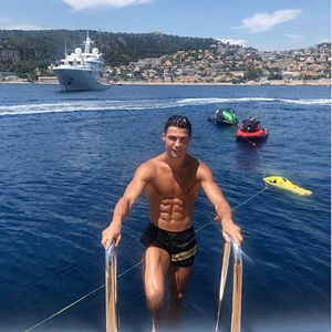 Ronaldo Beri Tip Rp 324,5 Juta untuk Pelayan Hotel