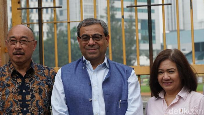 Anil Khanna, presiden ATF (tengah) mencalonkan diri sebagai presiden ITF. (Femi Diah/detikSport)
