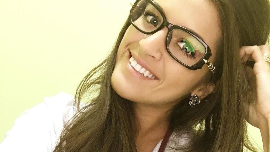 Pesona Natalia, Dokter Cantik Penakluk Kiper Brasil Alisson Becker