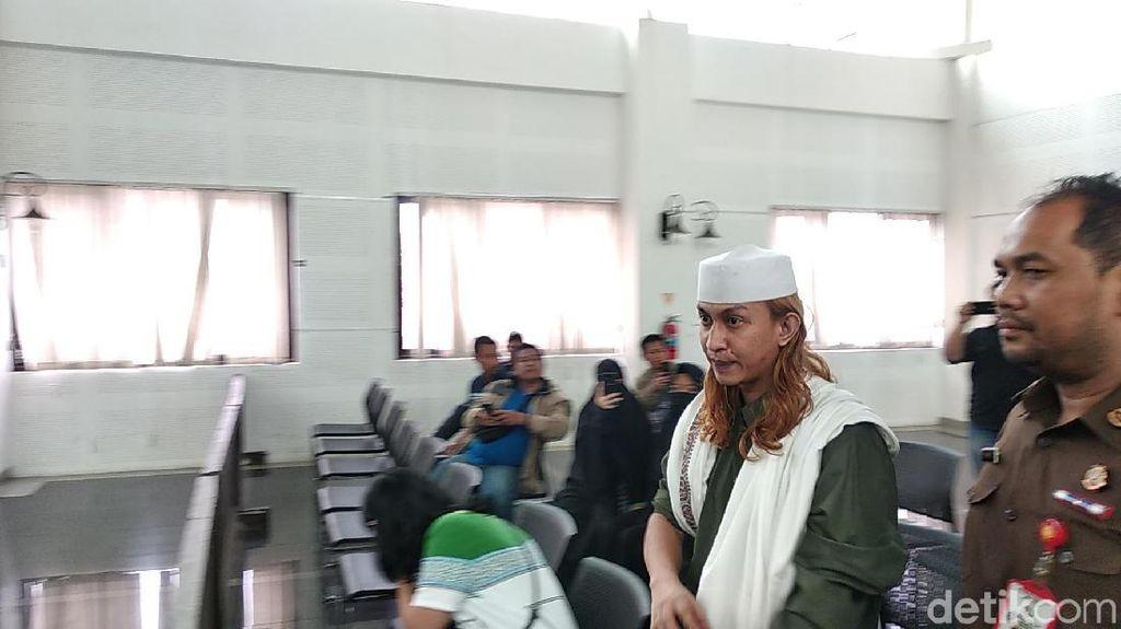 Aniaya Sopir Taksi Online, Habib Bahar Tolak Diperiksa Penyidik
