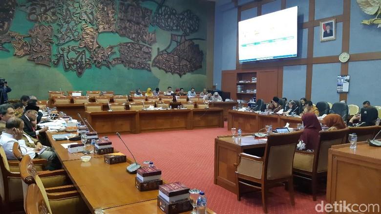 Rapat di DPR, Mendikbud Dapat Dukungan soal PPDB Zonasi