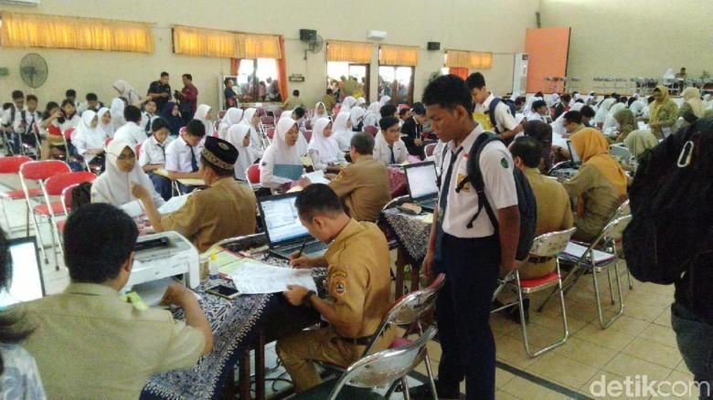 Belum Saatnya Pendaftaran, SMA di Semarang Sudah Diserbu Calon Siswa