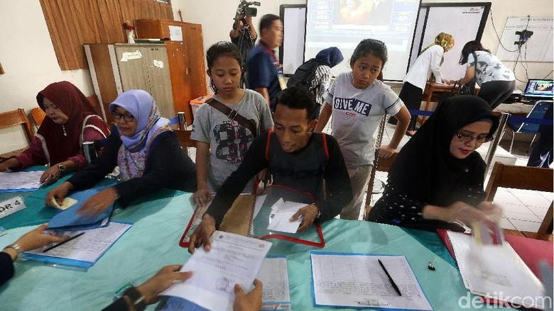 Pendaftaran PPDB di SMPN 115 Jakarta Membludak