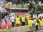 Video Massa Kuning-kuning Aksi Kawal MK di Kawasan Patung Kuda