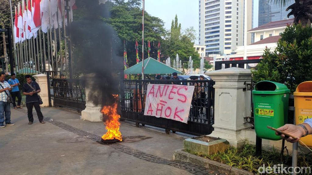 Tak Terima Ahok Disamakan dengan Anies, PDIP: Ahok Ikuti Kebijakan Pusat