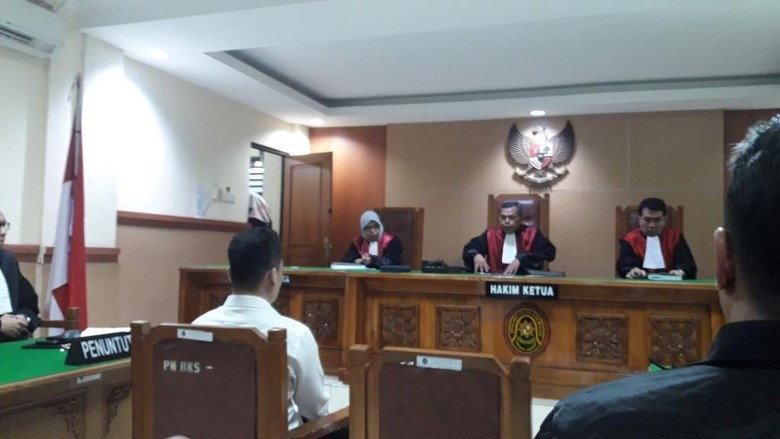Terdakwa Pembunuh Satu Keluarga di Bekasi Minta Keringanan Hukuman