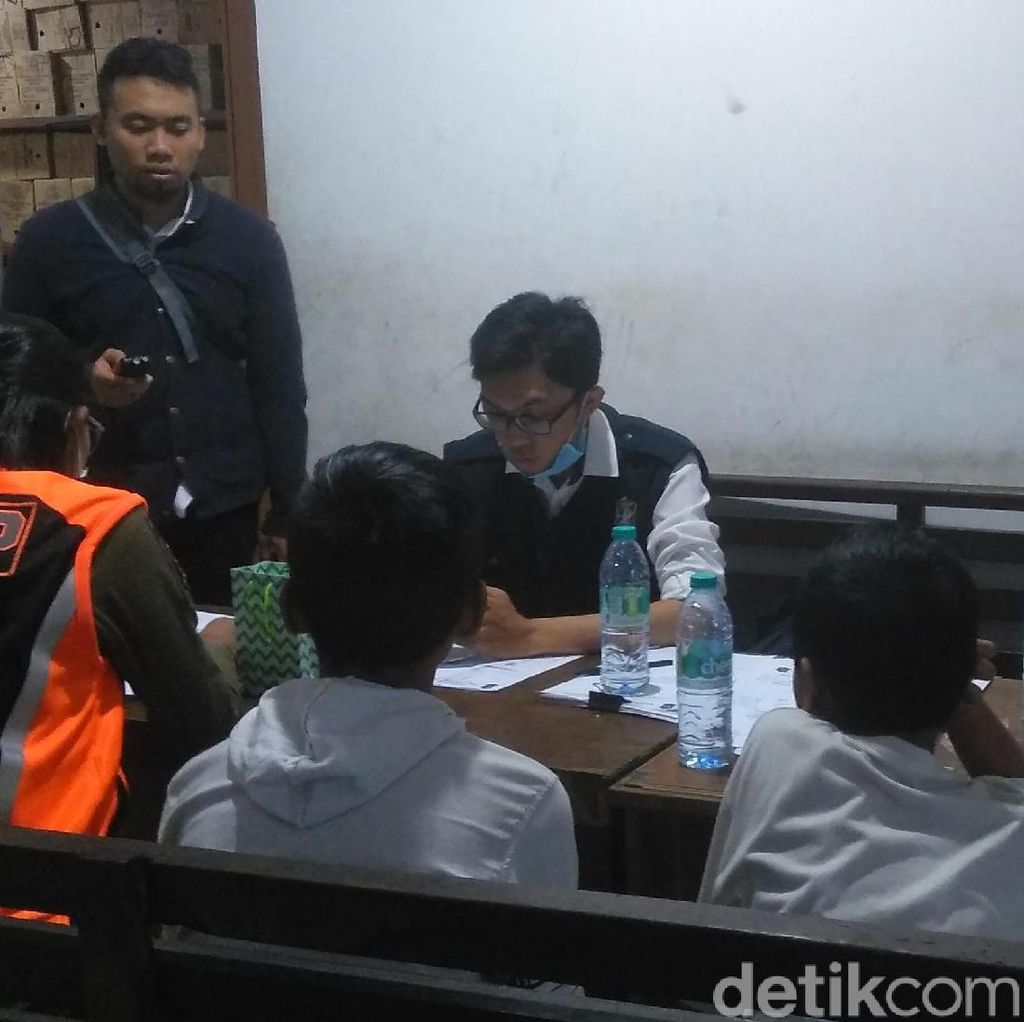 Diduga Hendak Ngelem, Dua Bocah di Surabaya Diamankan Satpol PP