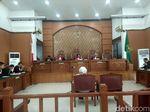 Duplik Pengacara: Tuntutan Ratna Sarumpaet Lebih Berat dari Koruptor