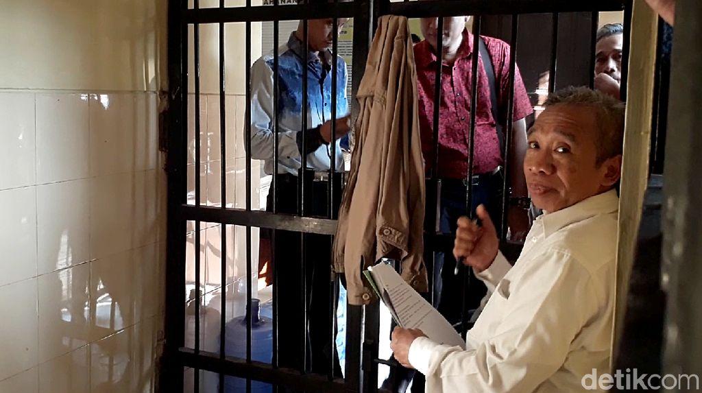 Potret Pelawak Qomar Usai Ditangkap Terkait Pemalsuan Ijazah