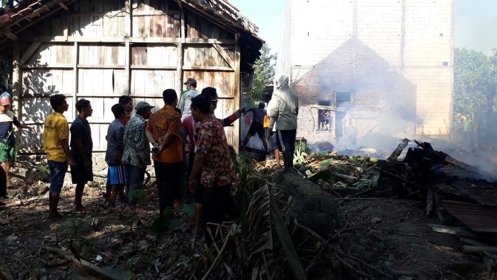 3 Rumah Warga Dilalap Api di Demak