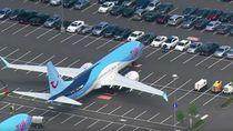 Saat Parkiran Mobil Berubah Jadi Parkiran Pesawat Boeing