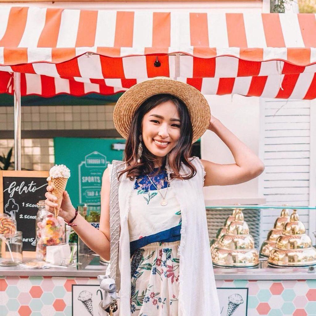 Tiffany Soetanto, Istri Chef Arnold yang Tampil Cantik Saat Kulineran