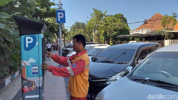 Parkir progresif di Surabaya/Foto: Amir Baihaqi