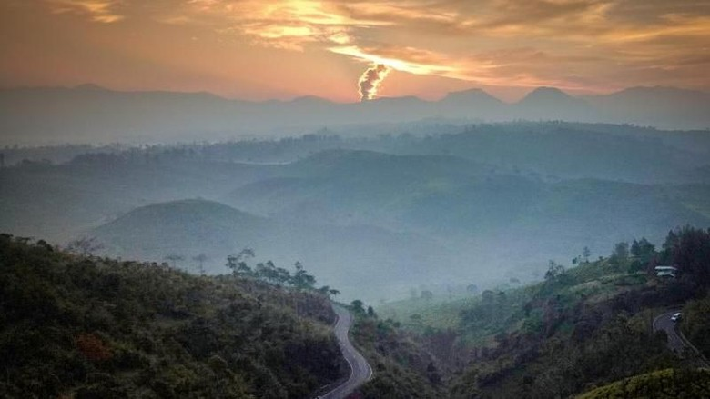 Ilustrasi Sunrise di Pangalengan (Teguh Tofik Hidayat/dTraveler)
