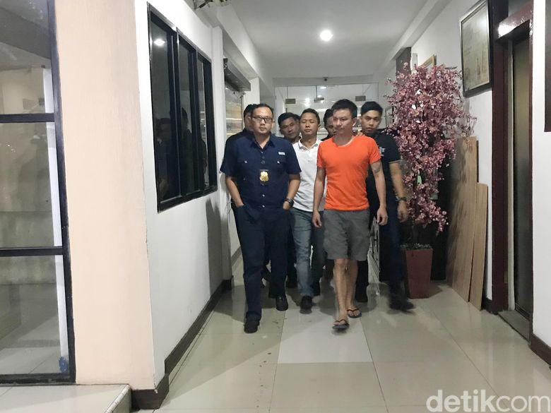 Jerry Aurum saat ditemui di Polres Jakarta Barat pada Selasa (25/6).