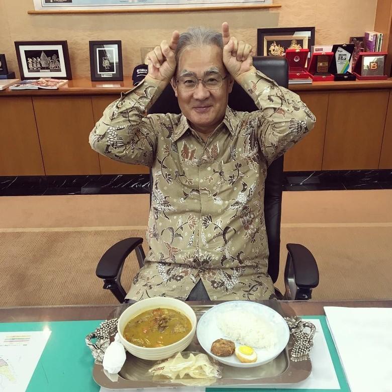 Dubes Jepang Cerita Awal Mula Hobi Unggah Foto Makan dan Pose Lucu di IG