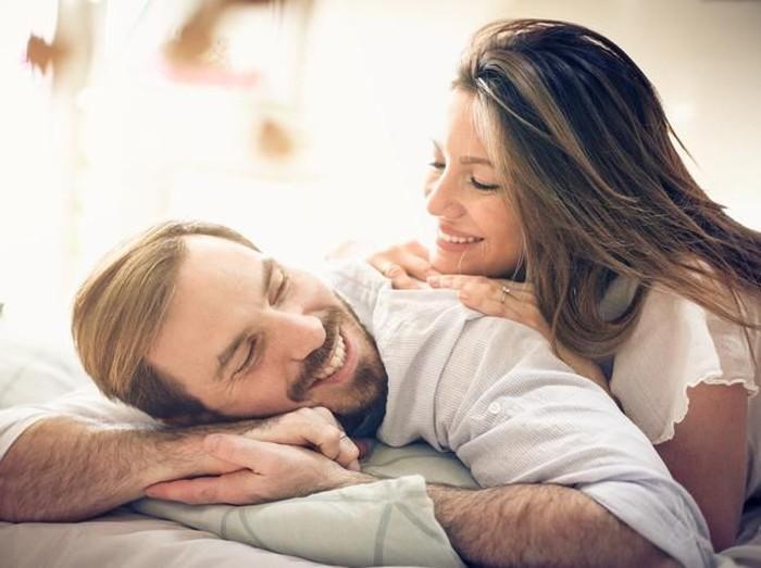 8 Cara Memuaskan Suami di Ranjang, Dijamin Puas!/Foto: iStock