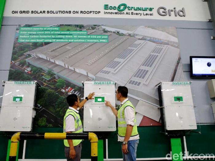 Schneider Electric meresmikan pengoperasian pabrik pintarnya di kawasan Cikarang. Yuk, lihat bagian dalam pabrik yang memanfaatkan energi terbarukan ini.