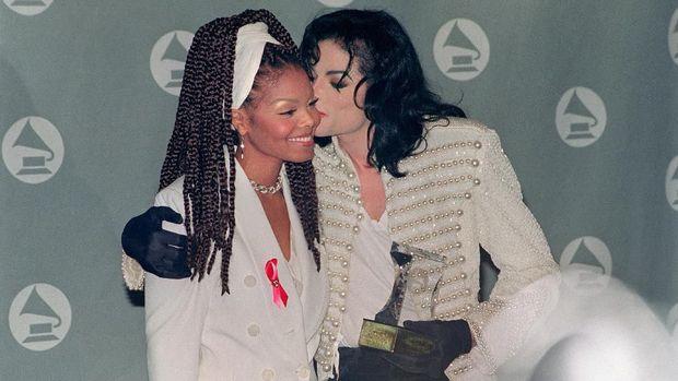 Michael Jackson dan Janet Jackson saat 1993.