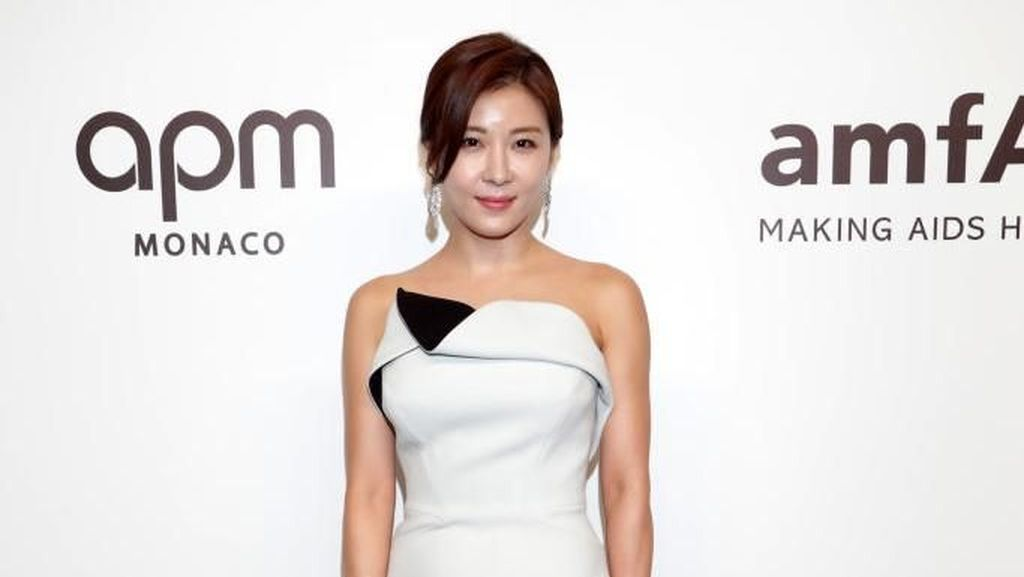 Potret Artis Cantik Ha Ji Won yang Ungkap Rahasia Awet Muda di Usia 40