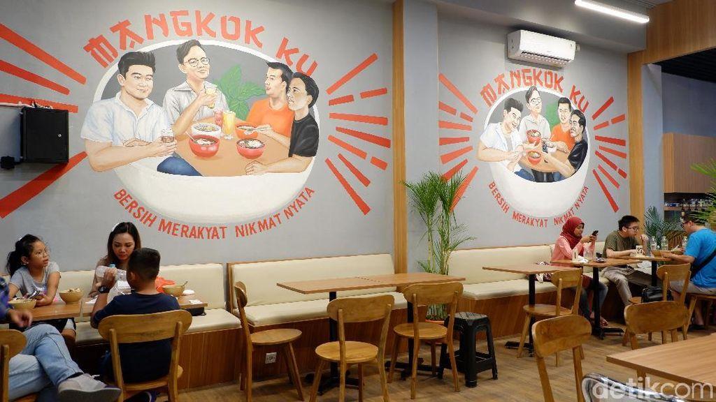 Menjajal Makanan di Resto Kolaborasi Chef Arnold-Kaesang-Gibran