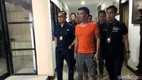 Sebelum Ditangkap, Jerry Aurum Jenguk Anak Bareng Keluarga