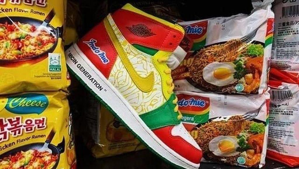 Cerita di Balik Desain Sneakers Nike Air Jordan x Indomie yang Viral