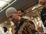 Selesai Ceramah, Felix Siauw Tinggalkan Balai Kota Lewat DPRD DKI