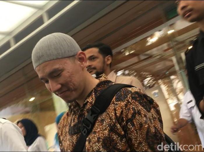 Ustaz Felix Siauw usai ceramah di Masjid Balai Kota DKI (Arief/detikcom)