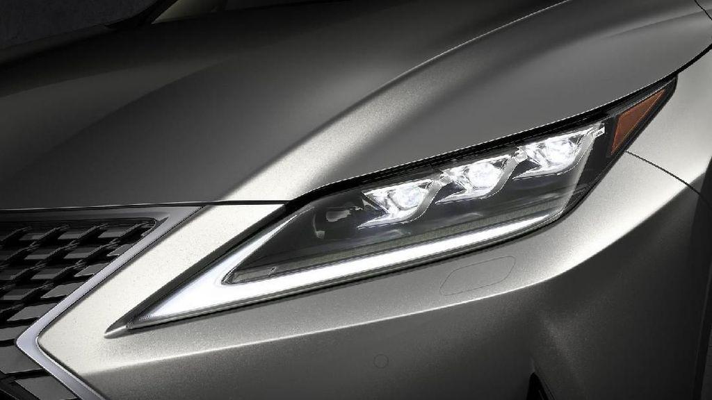 Lexus Makin Menggoda dengan Headlamp LED Pintar