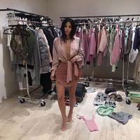 Kim Kardashian Rilis Pakaian Dalam Merek Kimono