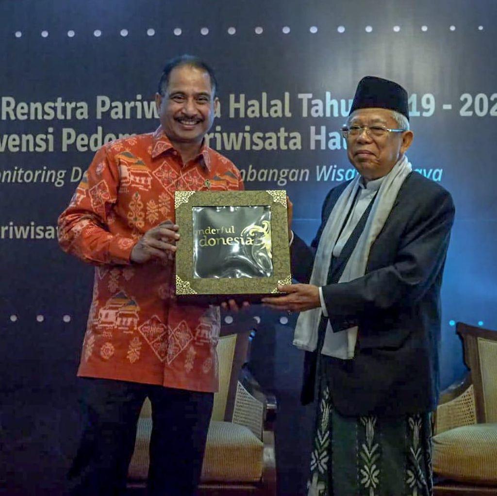 Menyusun Pedoman Wisata Halal di Indonesia