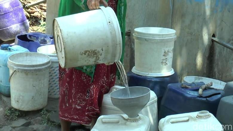 Dua Desa di Pasuruan Mulai Kesulitan Air Bersih