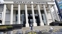 2 Eks Ketua MK Tepis Isu Pemakzulan di Balik Perppu KPK
