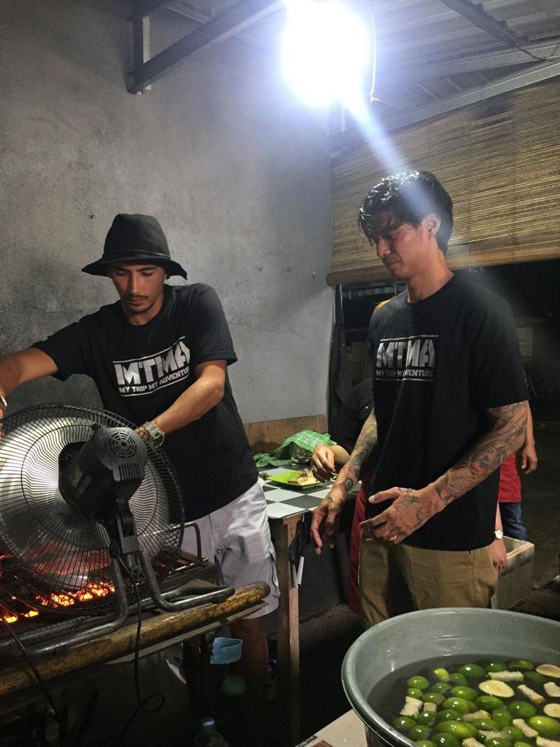 Marshall Sastra dan Vincent Verhaag akan seru-seruan di Banggai Laut, Sulawesi Tengah. (dok. MTMA)