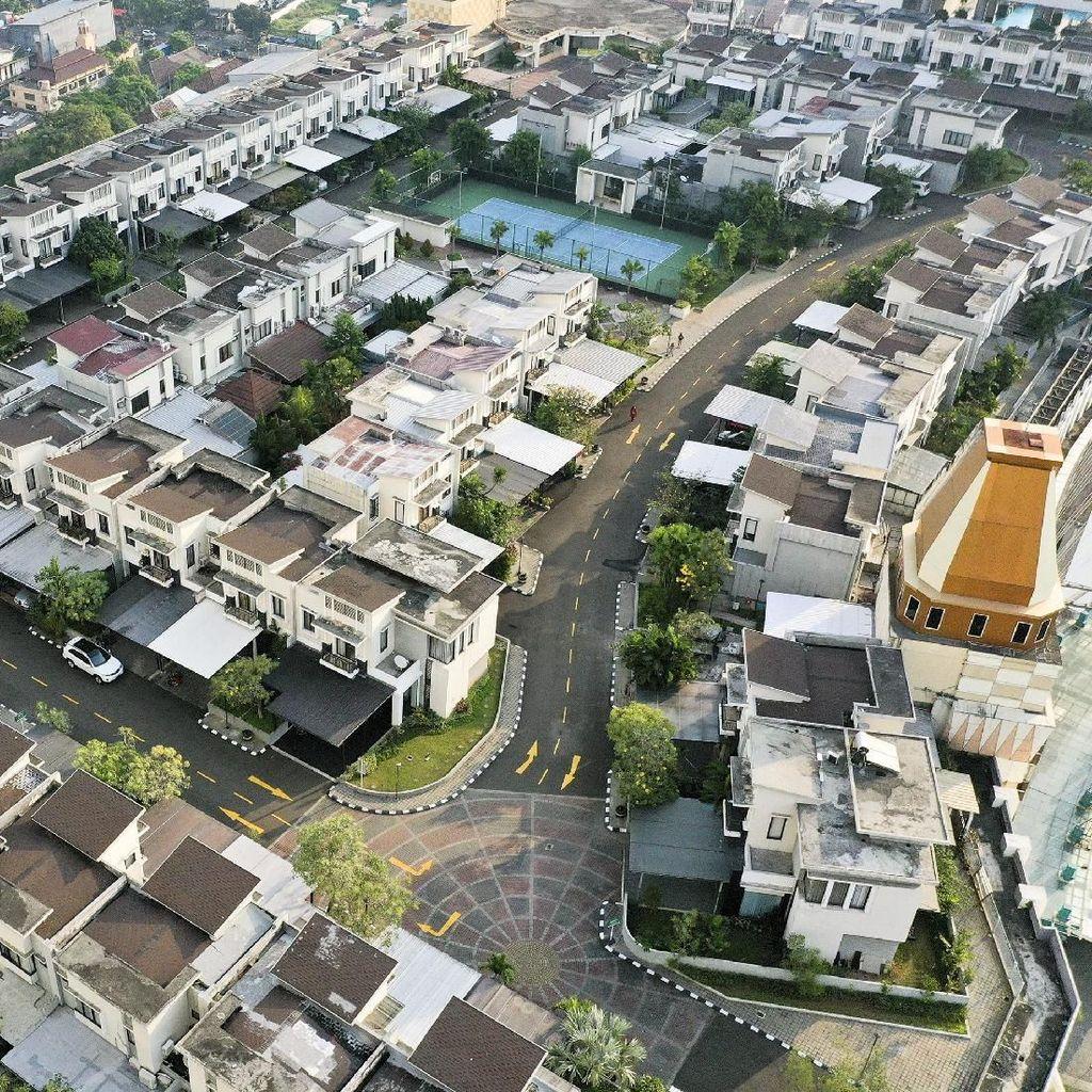 Foto Udara Penampakan Perumahan Viral di Atas Thamrin City