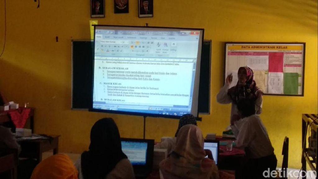 Revisi Aturan Berbaju Muslim di SDN Gunungkidul Akhirnya Juga Dicabut