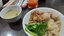 Nikmatnya Mie Ayam Legendaris di Jakarta
