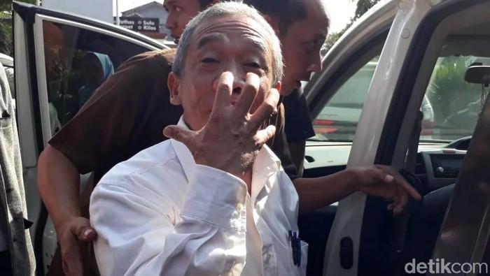 Nurul Qomar saat mendatangi Kejari Brebes untuk menjalani pemeriksaan. (Foto: Imam Suripto/detikcom)