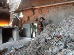 Dinkes Sidoarjo Belum Teliti Dampak Tahu yang Dibakar Sampah Kertas Impor