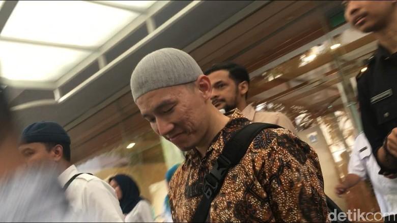 Tetap Ceramah di Balai Kota DKI, Felix Siauw Jawab soal Khilafah-HTI