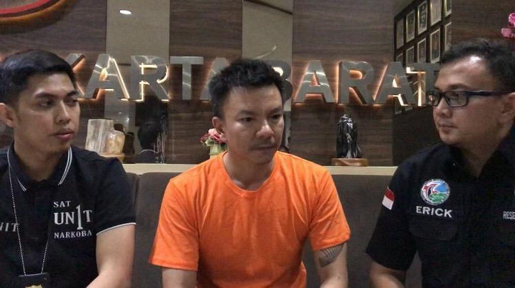 Polisi Fasilitasi Eks Suami Denada untuk Video Call dengan Anak