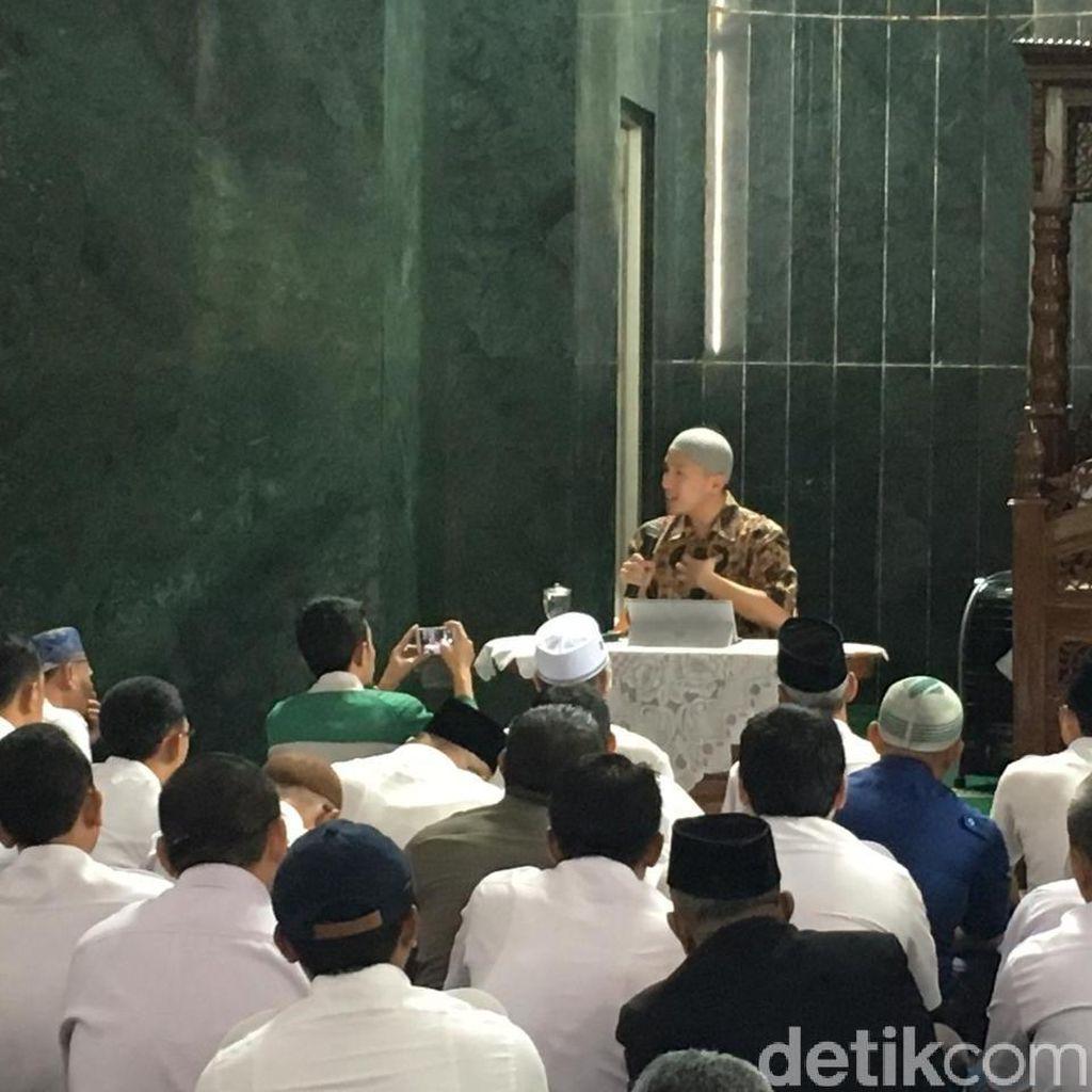 Pemprov DKI: Felix Siauw Tawarkan Diri Isi Ceramah di Masjid Balai Kota