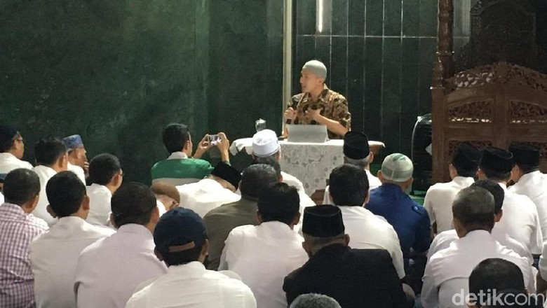 Felix Siauw Tanggapi Protes Ansor soal Ceramah di Balai Kota DKI